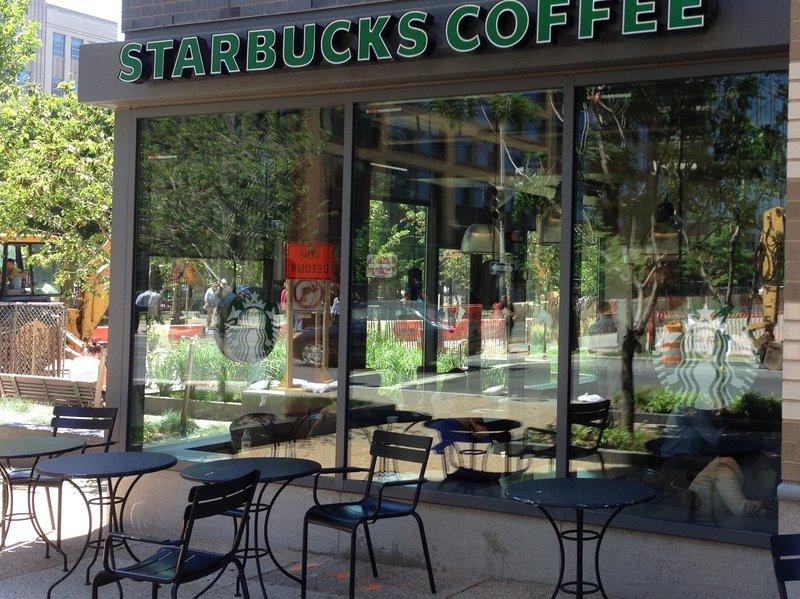 Kahve fiyatları düşerken Starbucks neden zam peşinde! 1