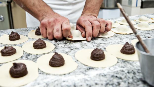 Sicilya'da üretilen Aztek çikolatası Modica 7