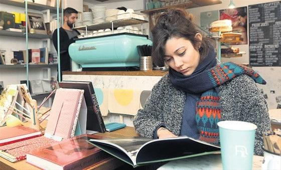 """İstanbul'da kahve eşliğinde kitap keyfi """"Kitap Kafe"""" 1"""