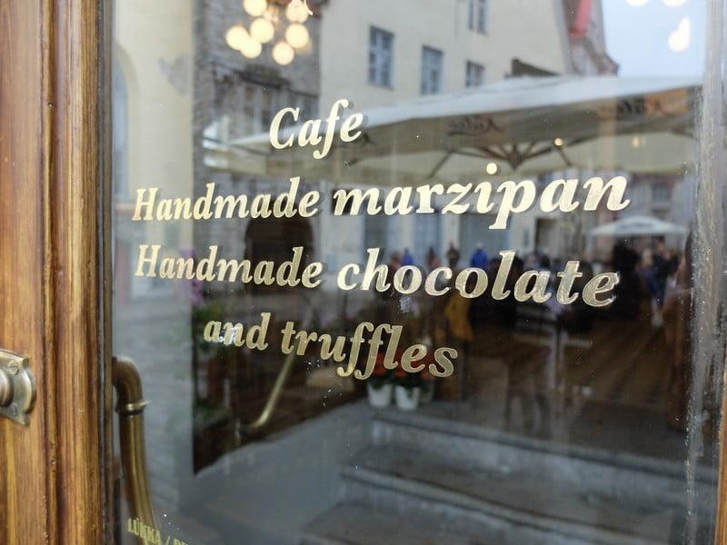 Estonya'nın tarihi kahve durağı: Maiasmokk Cafe'de 27