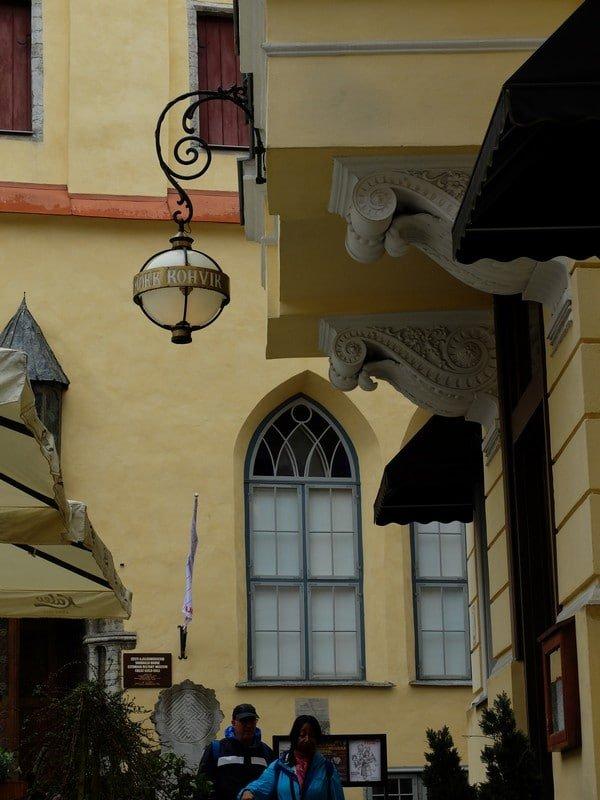 Estonya'nın tarihi kahve durağı: Maiasmokk Cafe'de 29