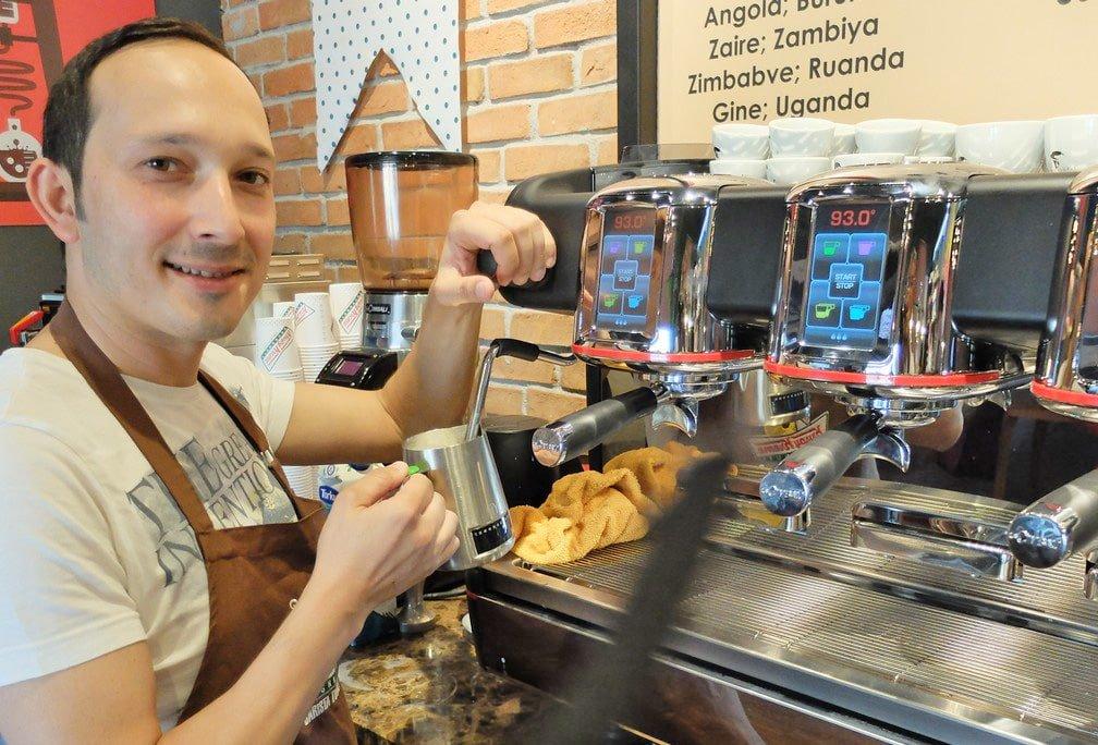 Dünya Kahve Günü'nün tatlı tadı Krispy Kreme 1