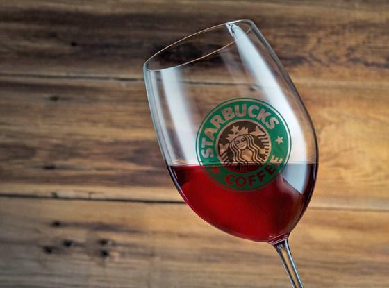 """Starbucks: """"Kahvenizin yanında alkol de alır mıydınız?"""" 1"""