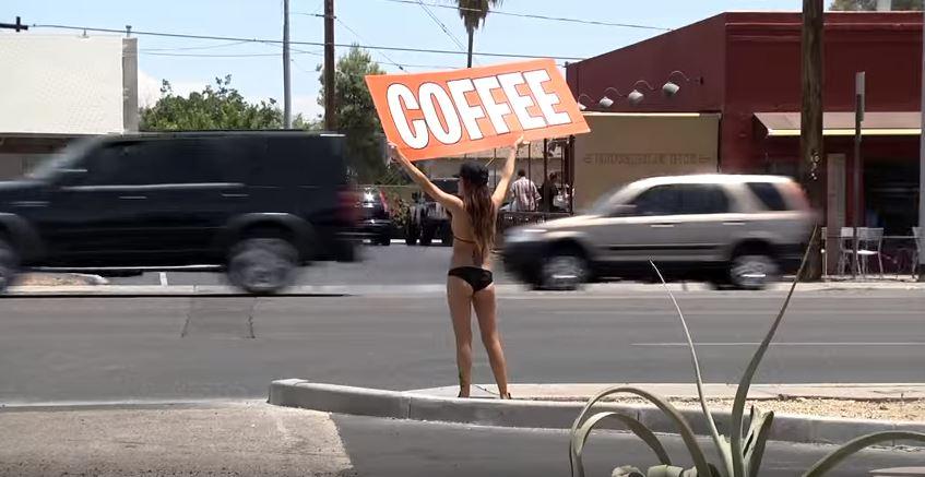 Bikinili baristalar Arizona'yı karıştırdı! 1