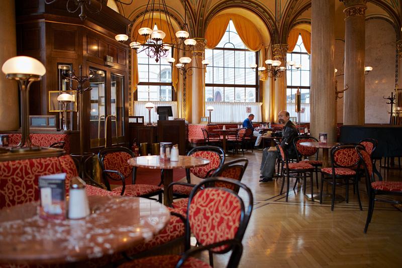 Viyana klasiği: Central Cafe 5