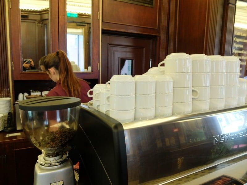 Estonya'nın tarihi kahve durağı: Maiasmokk Cafe'de 4