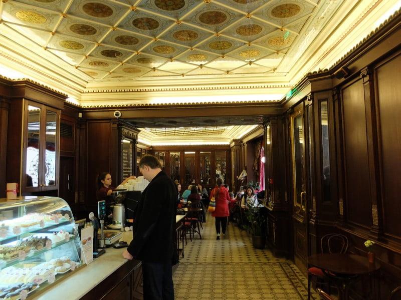 Estonya'nın tarihi kahve durağı: Maiasmokk Cafe'de 8