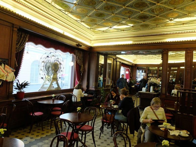 Estonya'nın tarihi kahve durağı: Maiasmokk Cafe'de 14